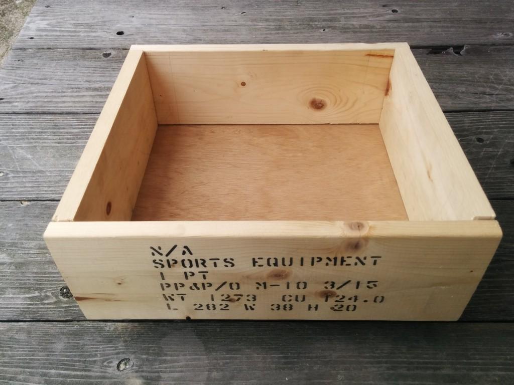 初めてのトリマーでカントリーチックな木箱を作ってみた