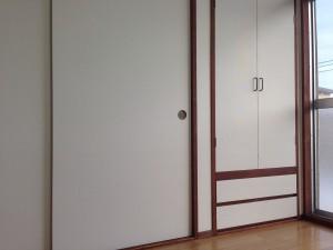 押し入れの戸に壁紙017