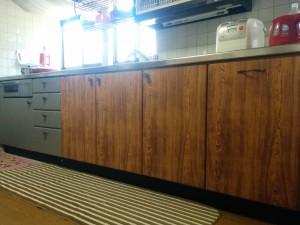 100均の木目シートで落ち着けるキッチンにリメイク006