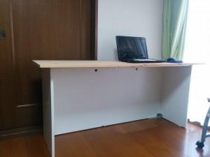 IKEAのダブルベッドをパソコンデスクにリメイク018
