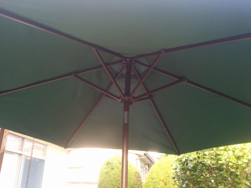 ガーデンパラソルの修理