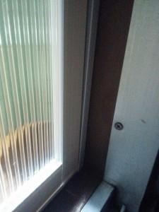 二重窓に隙間テープ004