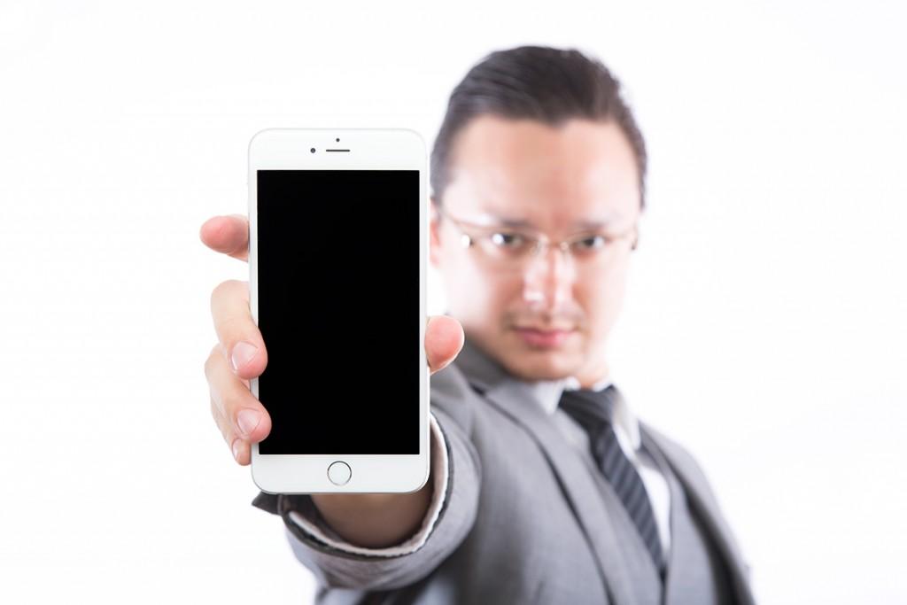 ワイモバイルと楽天モバイル!通信速度の違いは?
