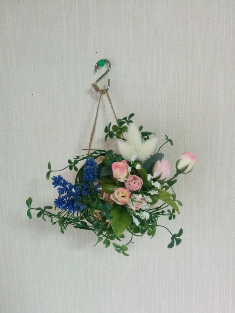 【セリア】柳ボールオーナメントにグルーガンで造花を飾ってみた!