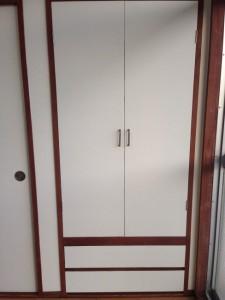 押し入れの戸に壁紙016