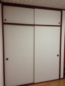 押し入れの戸に壁紙010