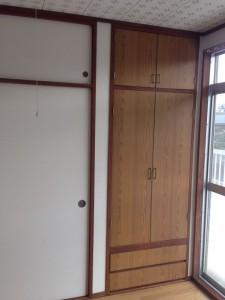 押し入れの戸に壁紙013