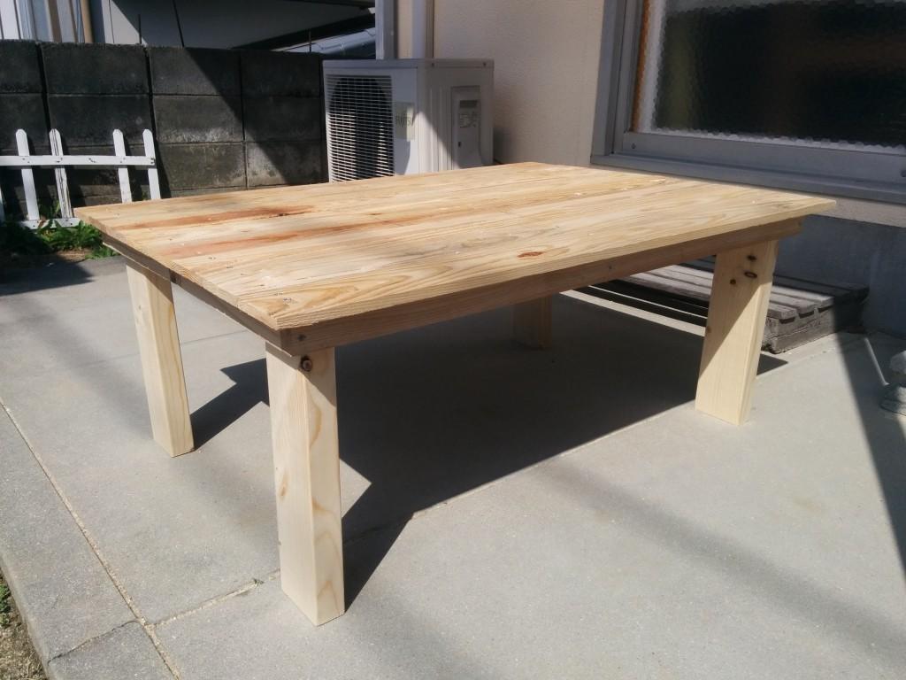 折りたたみテーブルの作り方!素人が行き当たりばったりで作ったらこうなった