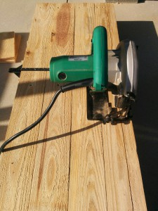 折りたたみテーブルと壁の連結005