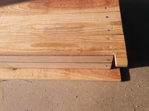 折りたたみテーブルと壁の連結006