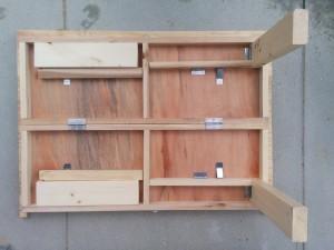 折りたたみテーブルと壁の連結003