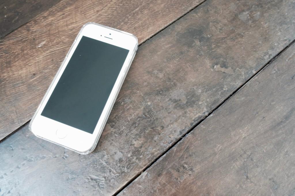 iPhone7発売に伴い注目を集めてるiPhone SE!もしもシークス VS 楽天モバイル