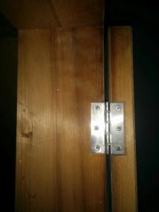 古めかしい扉をレンガ調にリメイク005