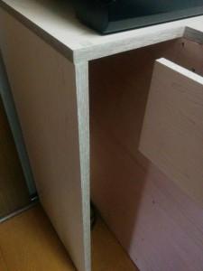 キッチンカウンターに木目調テープと壁紙006