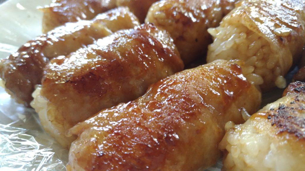 【みきママ流】夏のBBQに肉巻きおにぎり!焼肉のタレで簡単レシピ